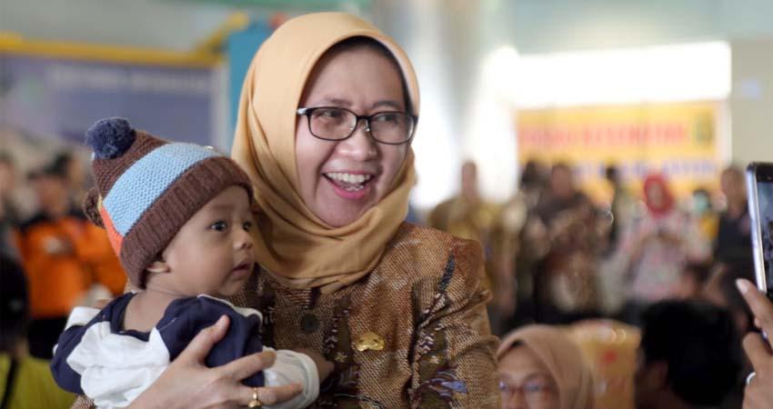 Wabup Lumajang Bunda Indah Jemput Pengungsi Kerusuhan Wamena di Tanjung Perak