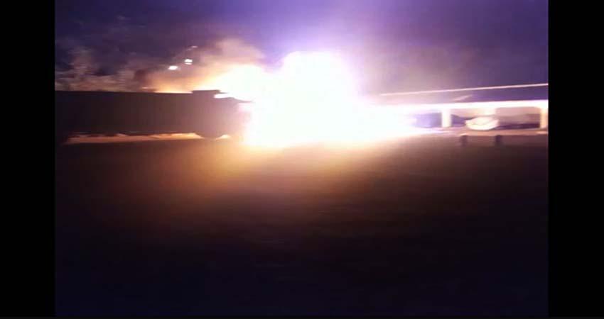 Kulak BBM, Pikep Terbakar, Sambar Truk dan Bus, Api Membara di SPBU 54.673.04 Wonorejo