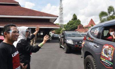 Pelepasan komunitas Pajero Indonesia Bersatu dan JK Owners East Java (OEJ) di Pendopo Arya Wiraraja Kabupaten Lumajang.