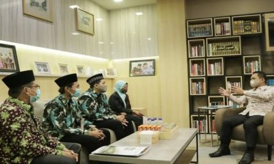 Bupati Lumajang, Thoriqul Haq memberikan wejangan kepada tiga peserta Musabaqah Tilawatil Quran yang akan segera berangkat menuju Kota Padang, Sumbar..