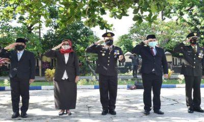 Bupati Lumajang bersama jajaran Forkopimda Kabupaten Lumajang saat menggelar peringatan Hari Pahlawan di Taman Makam Pahlawan (TMP) Kusuma Bangsa.